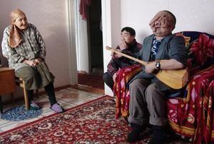 Berick, difforme depuis sa naissance, communique grace à la musique.jpg